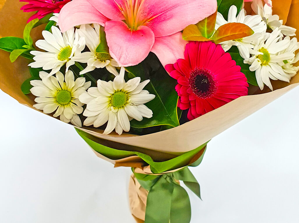 Simple Bouquet Flowers Gift