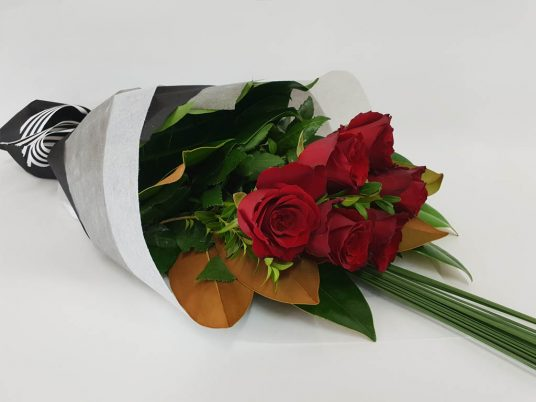 Love Story Valentines Day Roses