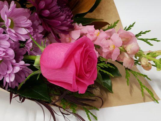 Pretty Seasonal Flower Wrap